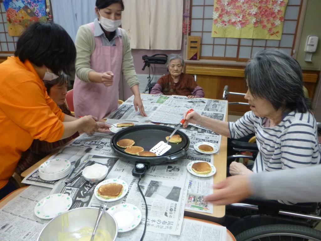 ホットケーキ作りP1750407