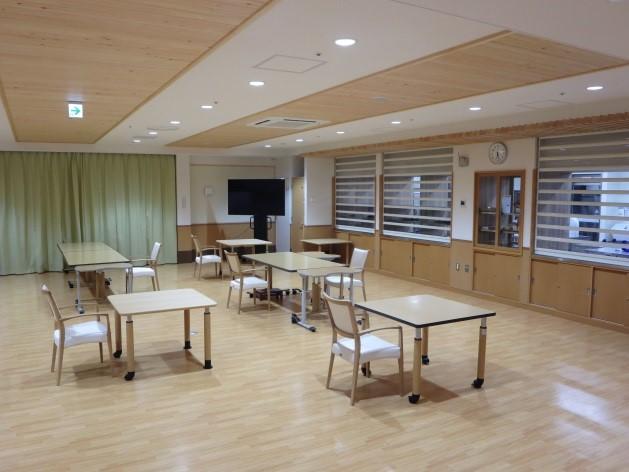 食堂(厨房と隣接)